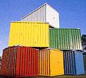 6 gestapelte Materialcontainer in verschiedenen Farben